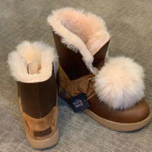 Ugg Isley Patent Waterproof Boots - BRAND NEW